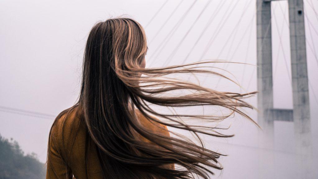 ξανθό χρώμα μαλλιών