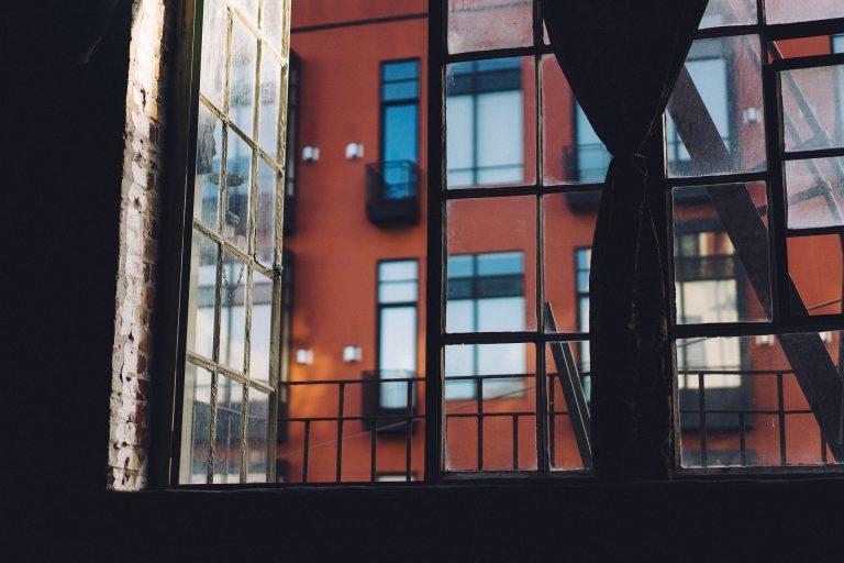 Ανοιχτά παράθυρα και υγρασία