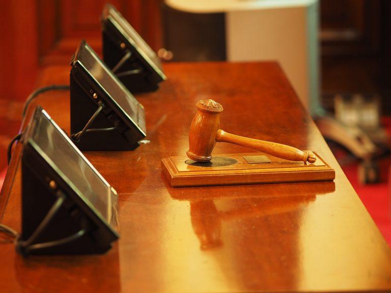 διαζύγιο στα δικαστήρια