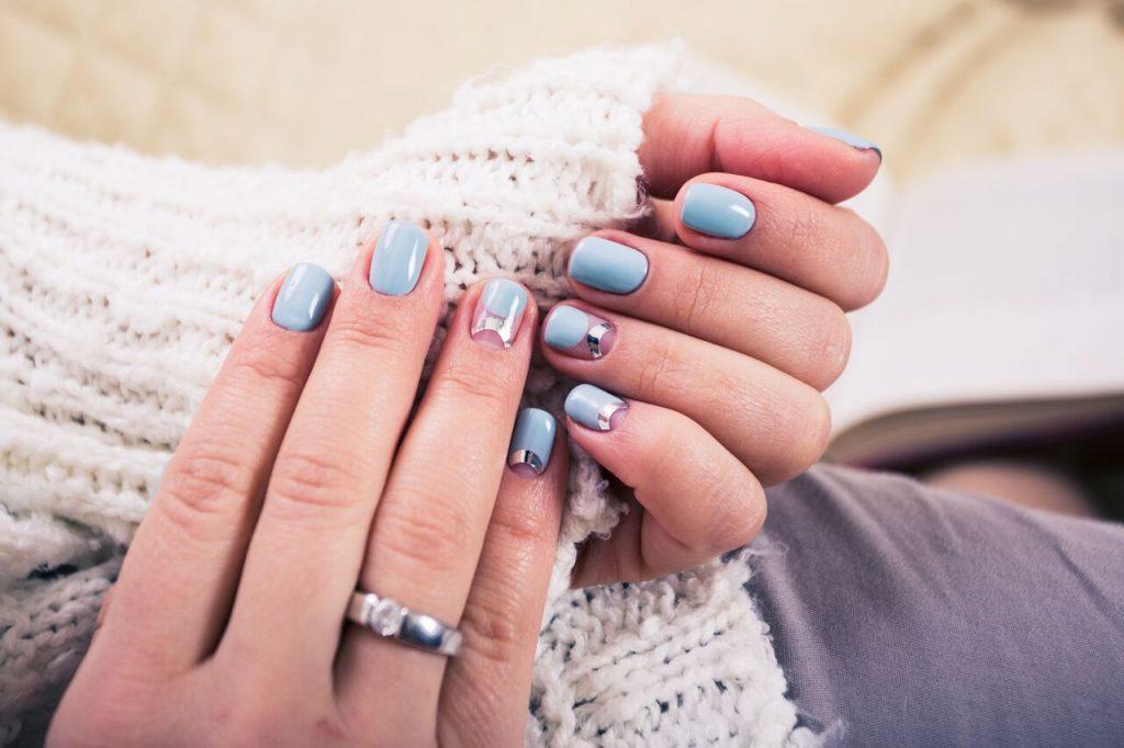 πασχαλινά νύχια παστέλ