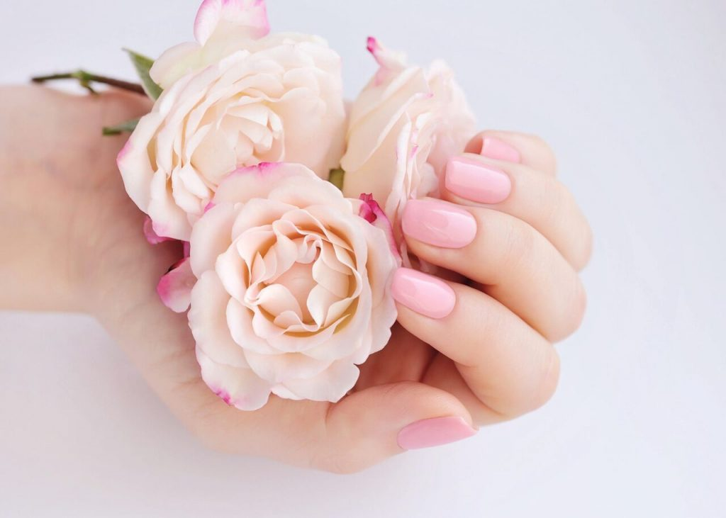 7e6bbdf3d2fc Εντυπωσιακά πασχαλινά σχέδια για τα νύχια σου! •