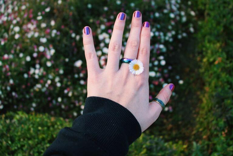νύχια μεταλλιζέ