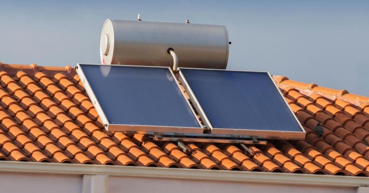 ηλιακός θερμοσίφωνας διπλής ενέργειας
