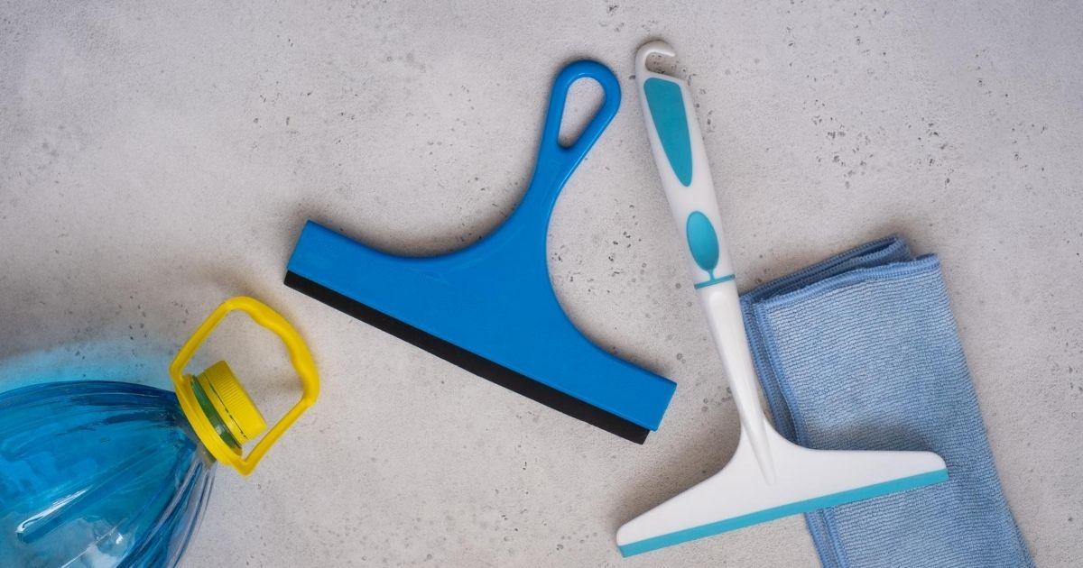εργαλεία για καθαρισμό τέντας