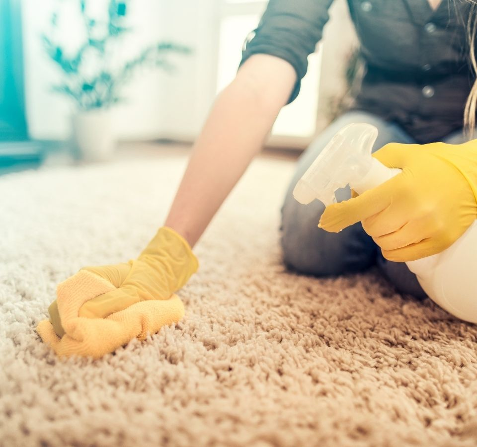 Καθαρισμός χαλιών στο σπίτι: Χρήσιμες συμβουλές!